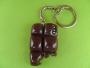 Bijoux de sac ou porte clés chocolat à croquer perles bleues