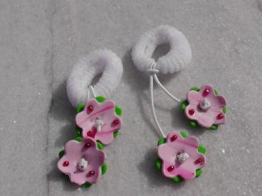 Chouchou blanc avec thème fleur rose